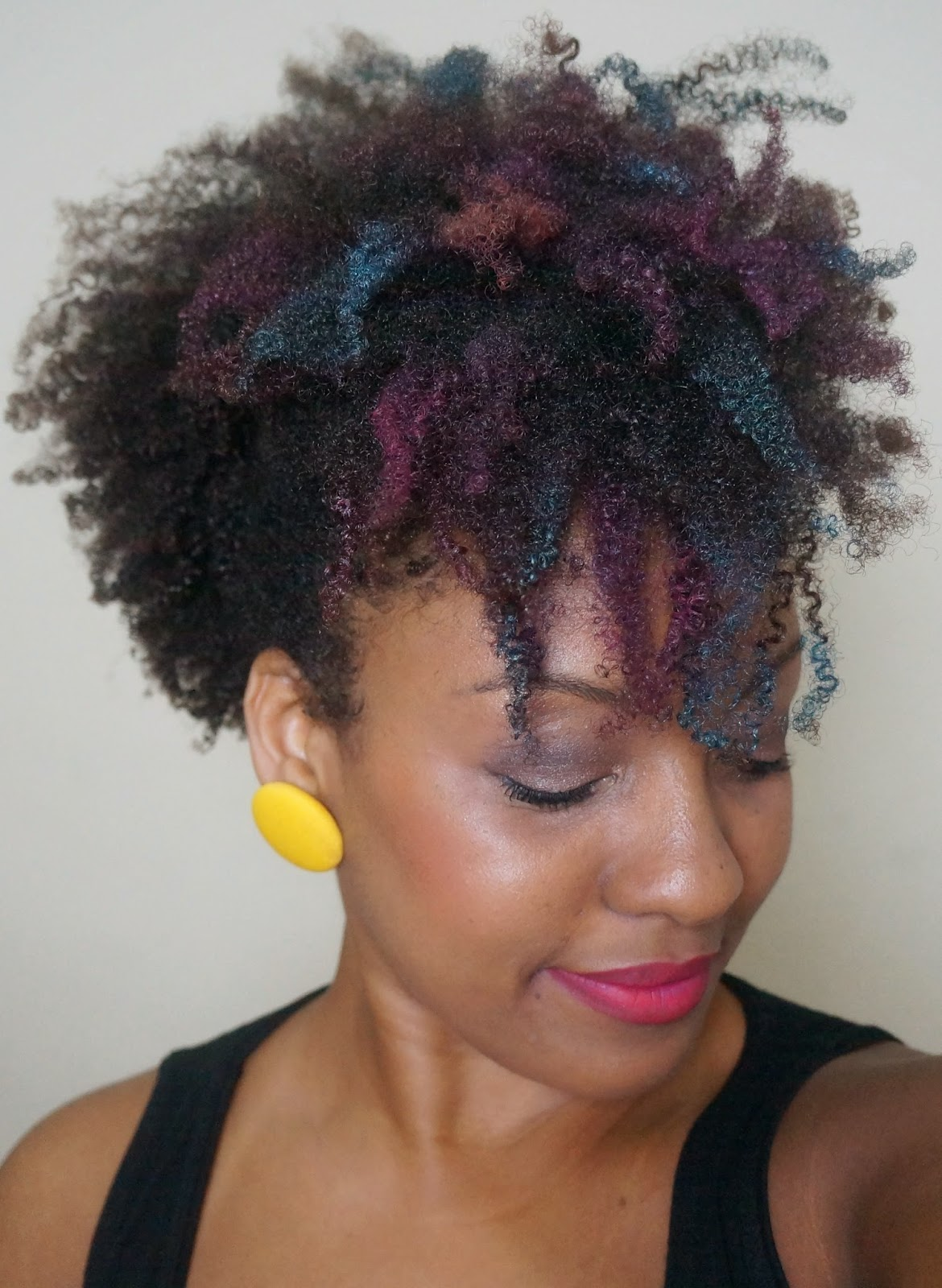 Cabelo Afro – Mechas Coloridas